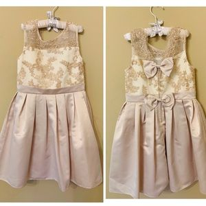 Other - Beautiful Girls Gown with Lace Top & Bow Detail
